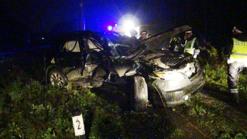 Один человек умер в итоге столкновения поезда иавтомобиля вЕкатеринбурге