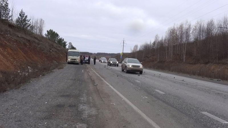 Три человека пострадали вДТП сучастием рейсового автобуса вСвердловской области