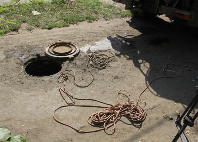 ВПервоуральске возбудили уголовное дело после смерти 2-х рабочих «Водоканала» вколлекторе