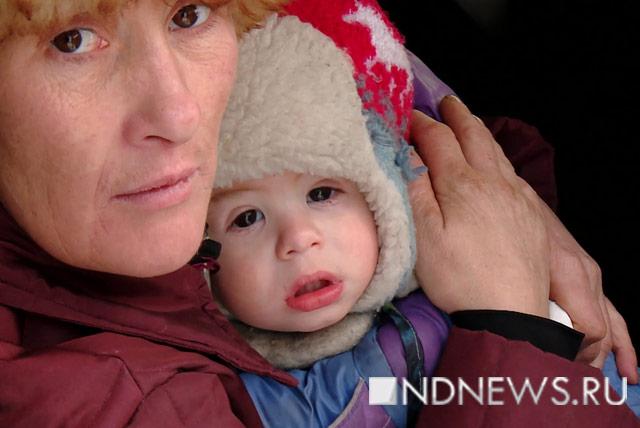 Женщина с малышом поселились под теплотрассой вЕкатеринбурге Сегодня в18:57