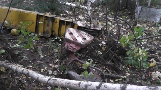 Вгорах под Златоустом опрокинулся автокран: водителя зажало вкабине