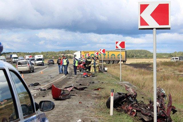 ВЧелябинской области вДТП умер 33-летний шофёр иномарки