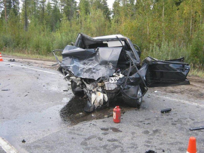 ВНефтеюганском районе влобовом столкновении ВАЗа и«Ниссана» погибли два человека